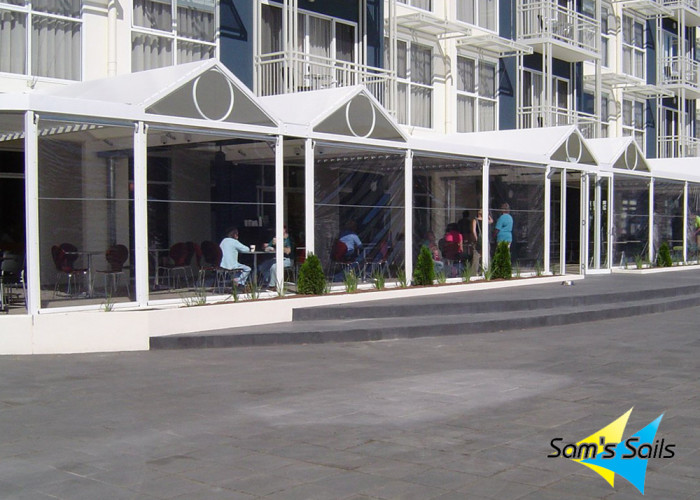Outdoor blinds for restaurants